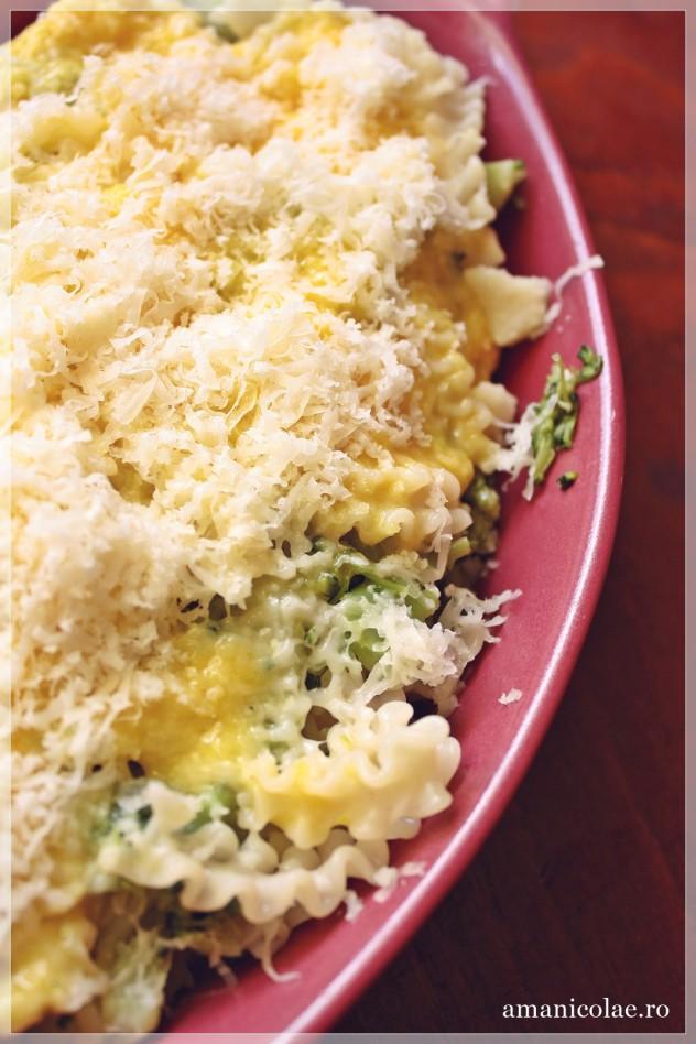 paste cu broccoli si ou