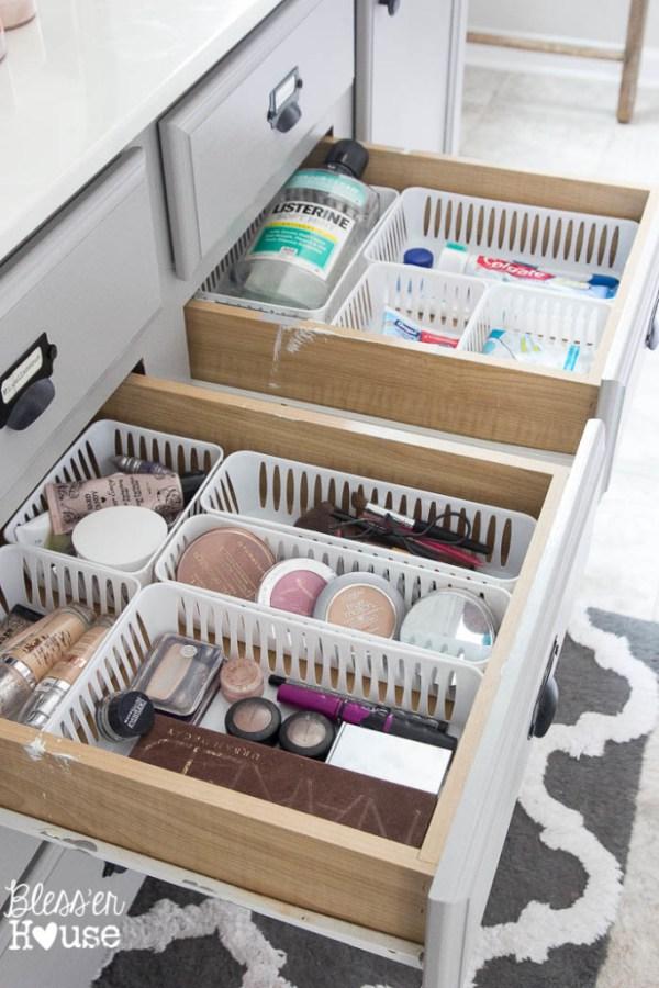 Dollar-Store-Bathroom-Drawer-Organization-4-of-7-683x1024