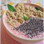 Quinoa cu capsuni si iaurt