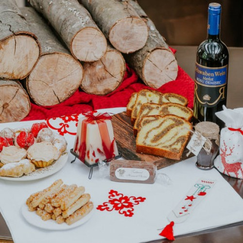 rsz_traditional_christmas_table_-_cadou-500x500